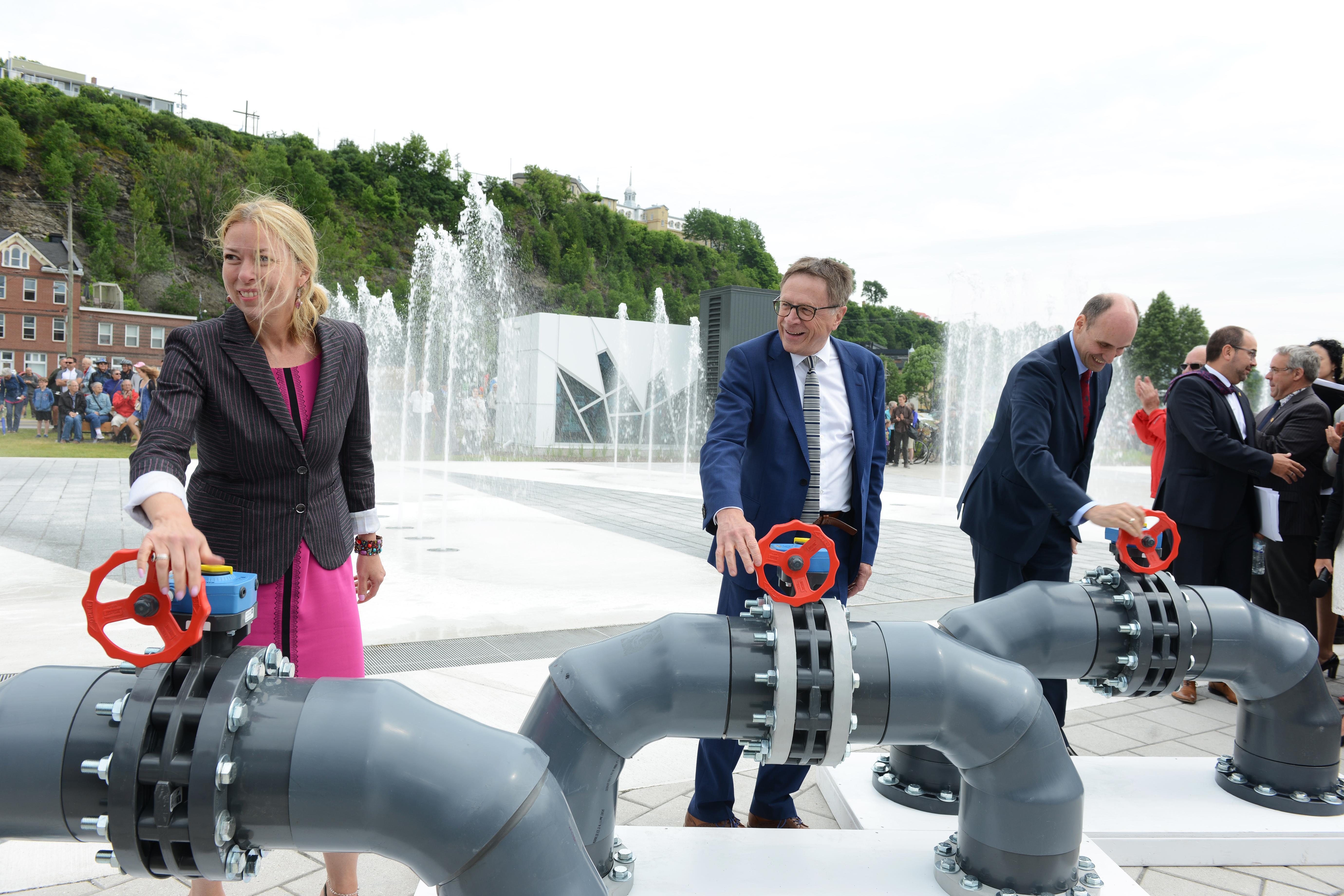 Ouverture des valves - Inauguration Fontaine du Quai Paquet
